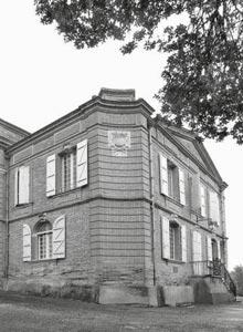 Hôtel-Montauban-Séminaire-Mariage-Tarn-et-Garonne-82-Château-de-Loubéjac-château-sans-les-tours---mh